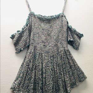 🌸 Charlotte Russe Small Top for woman